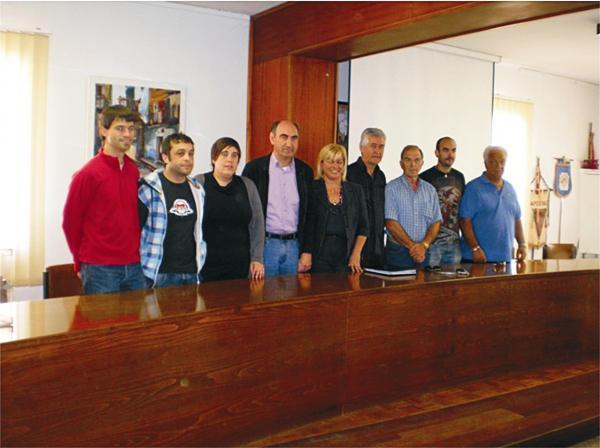 El teniente alcalde de Torà (CiU) mata a tiros a un perro abandonado y lo remata a palos