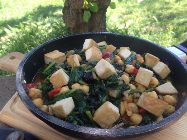 #LunesSinCarne: Estofado de espinacas, garbanzos y tofu