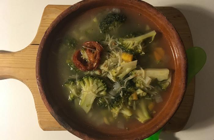 #LunesSinCarne: Sopa de fideos y verduras