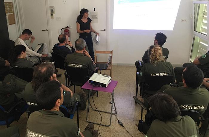 FAADA organiza un curso de educación canina para los Agents Rurals