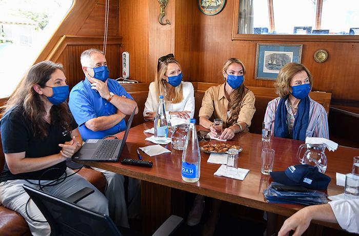 Acompañamos a Su Majestad la Reina Doña Sofía a conocer las Instalaciones del Aegean Marine Life Sanctuary de Lipsi