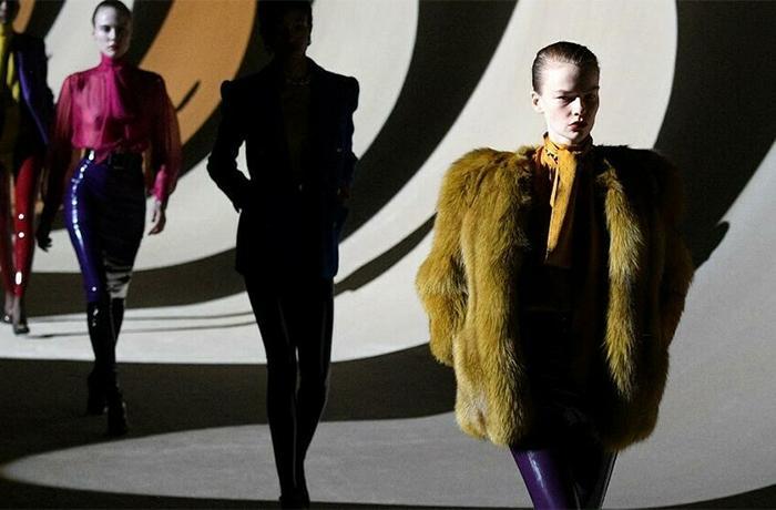 Yves Saint Laurent anuncia que dejará de utilizar pieles