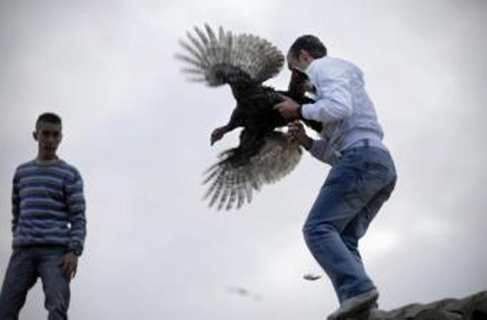 Cazalilla sigue lanzando la pava pese a su prohibición