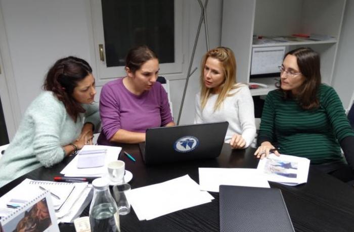 Nuevas reuniones para conseguir el cierre del delfinario de Barcelona